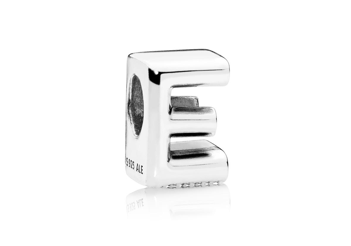 Pandora Bedel zilver Letter E 797459