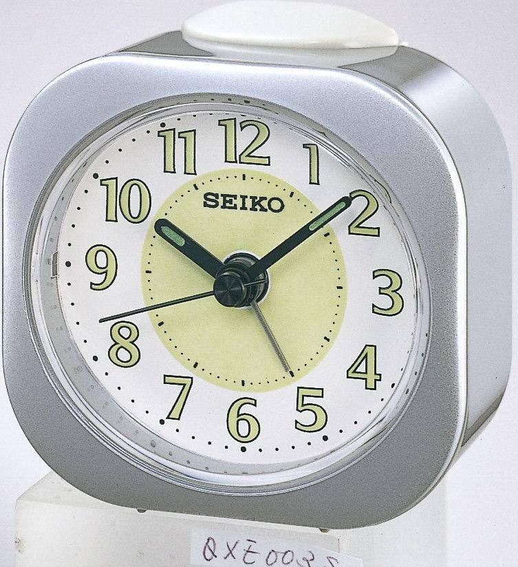 Seiko Reiswekker QHE121S