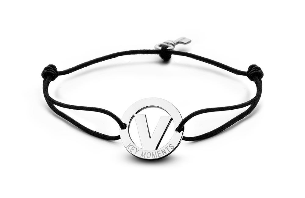 Key Moments 8KM-A00022 Armband met stalen letter V en sleutel one-size zilverkleurig