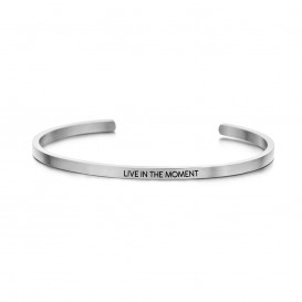 Key Moments 8KM-B00049 Stalen open bangle met tekst live in the moment zirkonia one-size zilverkleurig